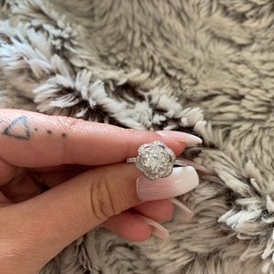 Jewelry - Charmed aroma rose silver ring